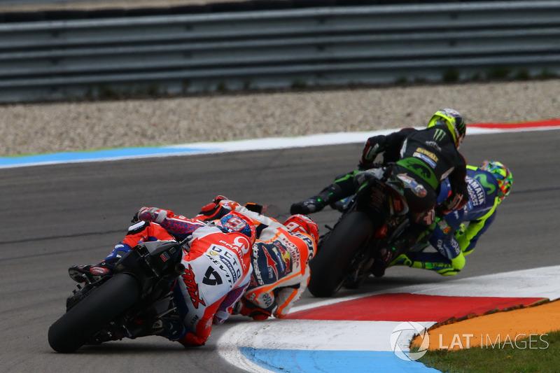 En Assen, Zarco y Rossi llegaron a impactar rodando ambos en cabeza