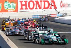 Старт: Сімон Пажно, Team Penske Chevrolet лідирує