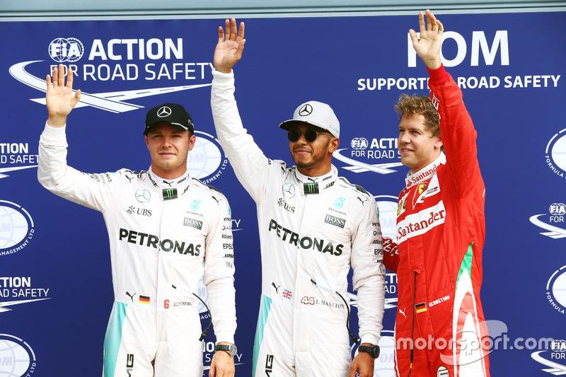 Sıralama turları ilk 3: Nico Rosberg, Mercedes AMG F1, 2.; Lewis Hamilton, Mercedes AMG F1, pole; Se