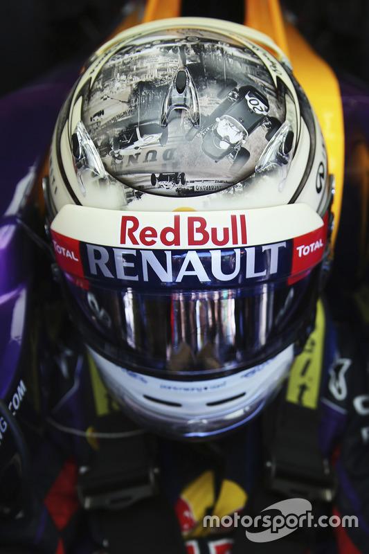 Casco de Sebastian Vettel, Red Bull Racing