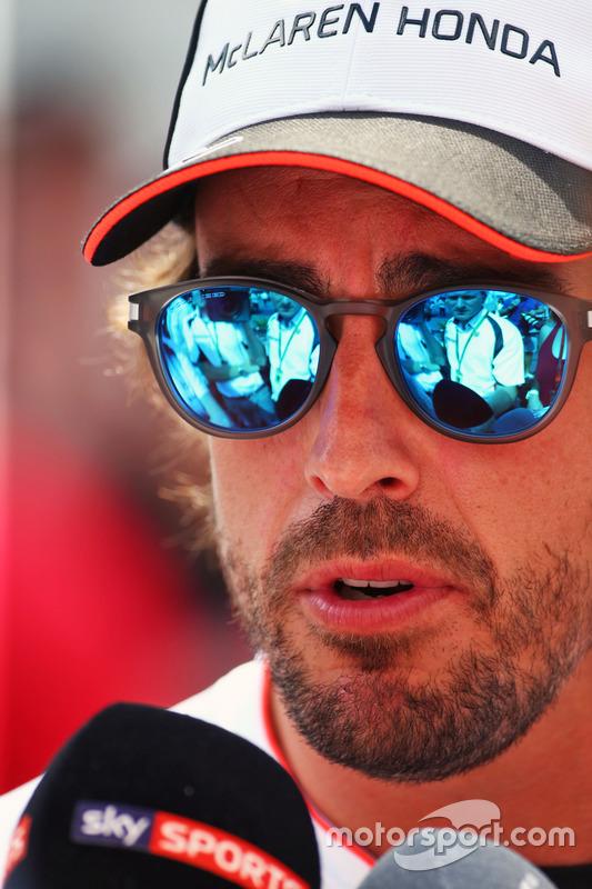Фернандо Алонсо, McLaren, ЗМІ