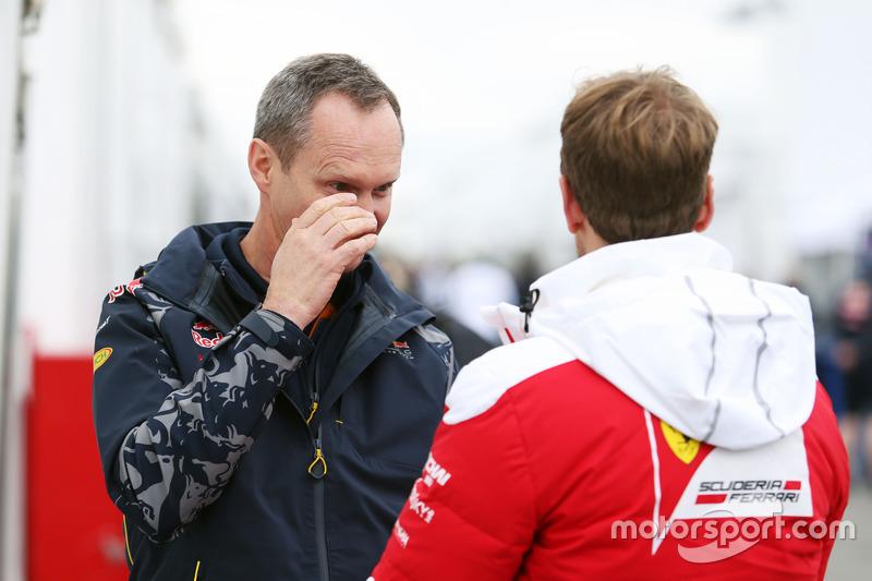 (L to R): Paul Monaghan, Red Bull Racing Chief Engineer with Sebastian Vettel, Ferrari