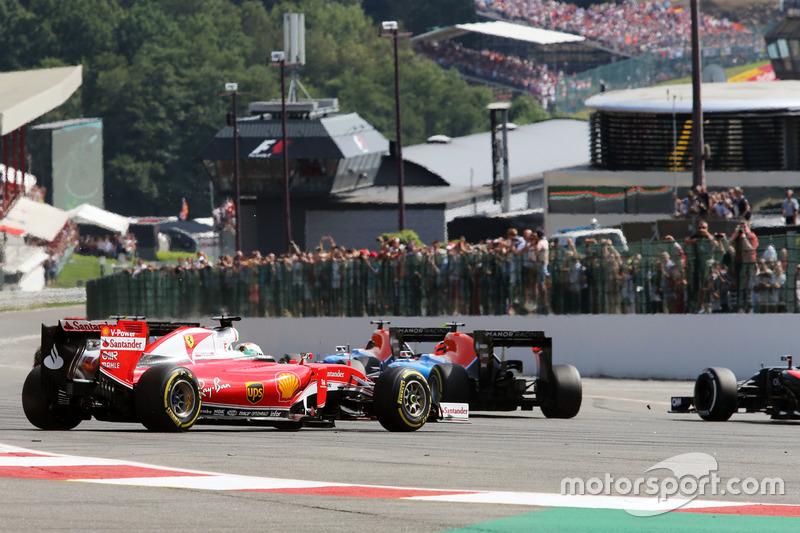 Sebastian Vettel, Ferrari SF16-H va in testacoda alla partenza della gara