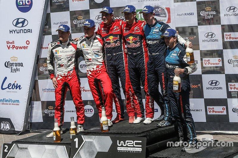 I vincitori della gara Sébastien Ogier, Julien Ingrassia, Citroën World Rally Team, al secondo posto Ott Tänak, Martin Järveoja, Toyota Racing, al terzo posto Elfyn Evans, Scott Martin, M-Sport Ford