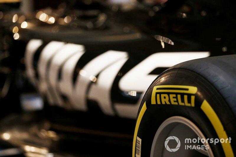 Pirelli Branding en la nueva decoración de Haas 2019