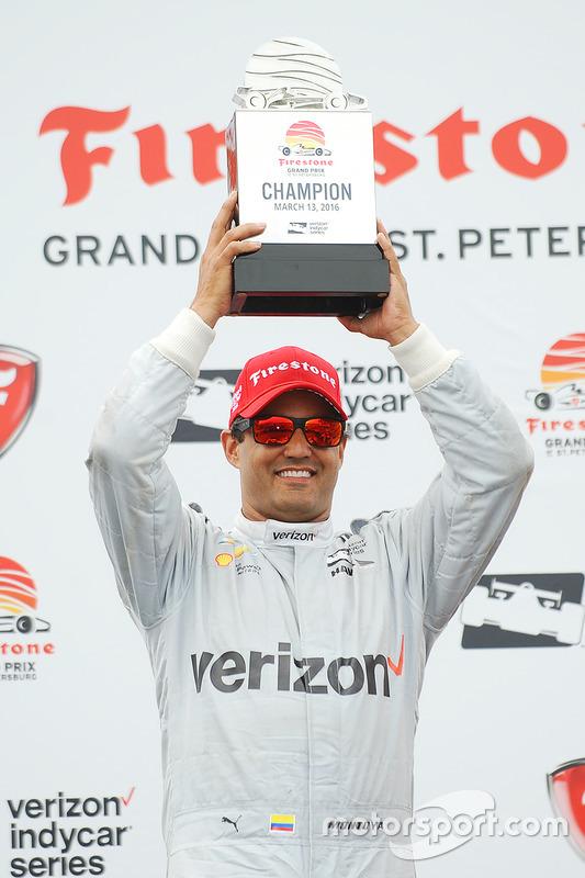 Podium: racewinnaar Juan Pablo Montoya, Team Penske Chevrolet