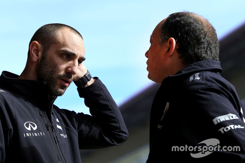 Cyril Abiteboul, Renault Sport F1 Team and Frederic Vasseur, Renault Sport F1 Team Racing Director