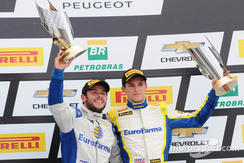 Ricardo Mauricio e Guilherme Salas na terceira posição do pódio