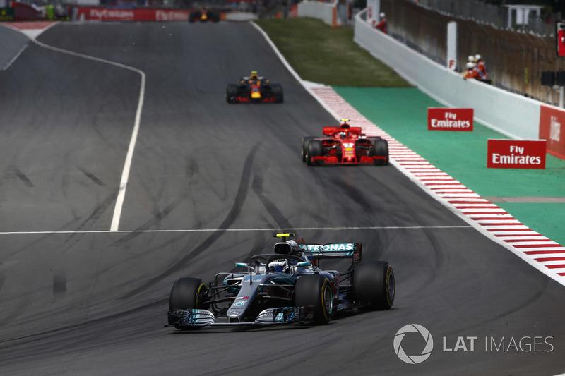Valtteri Bottas, Mercedes AMG F1 W09, Kimi Raikkonen, Ferrari SF71H, Max Verstappen, Red Bull Racing RB14