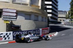 Ben Hingeley, Hitech Bullfrog GP Dallara F317 - Mercedes-Benz