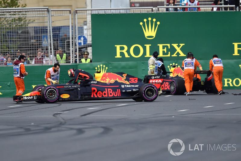 Kazalı araç, Max Verstappen, Red Bull Racing RB14 ve Daniel Ricciardo, Red Bull Racing RB14