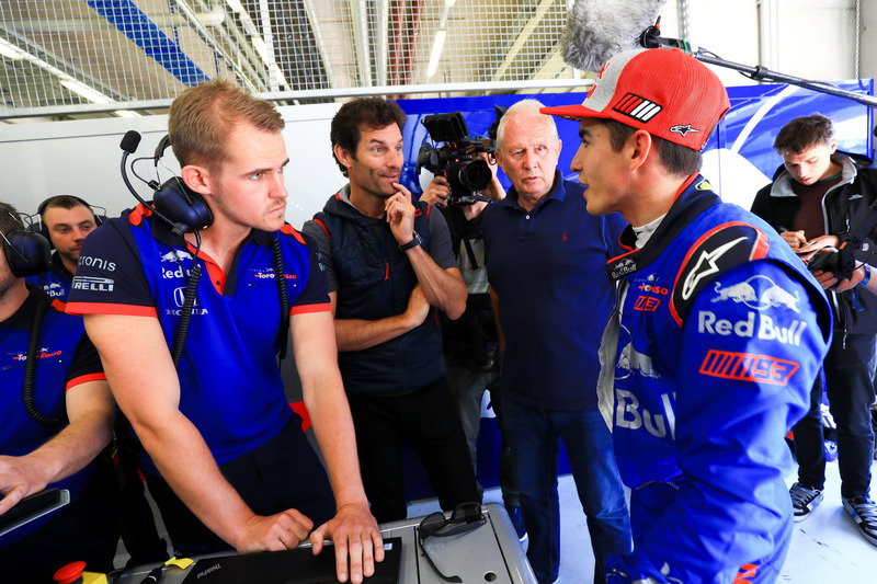 Marc Márquez, prueba un monoplaza Toro Rosso F1, con el ex piloto de Formula 1, Mark Webber