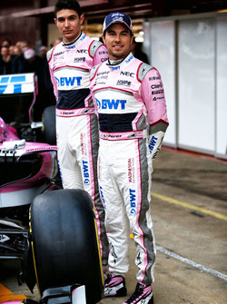 Esteban Ocon, Sahara Force India F1 and Sergio Perez, Sahara Force India