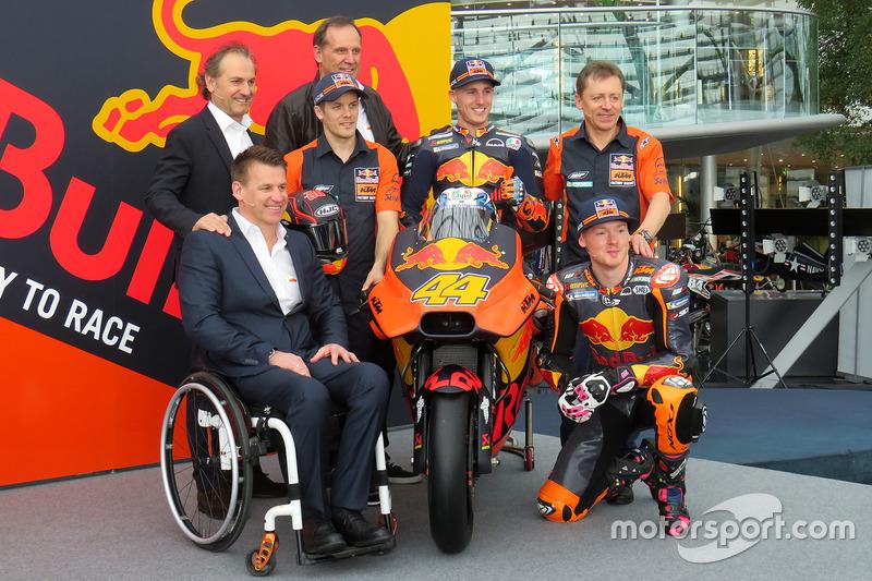 Pit Beirer, KTM Head of Motorsport, Mika Kallio, Pol Espargaro, Bradley Smith, Hubert Trunkenpolz, Members of Board KTM, Mike Leitner, Team manager Red Bull KTM Factory Racing