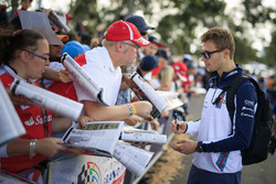 Sergey Sirotkin, Williams signs autographs for the fans