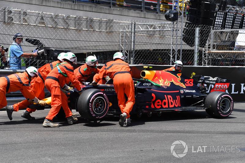 Max Verstappen, Red Bull Racing RB14 après l'accident