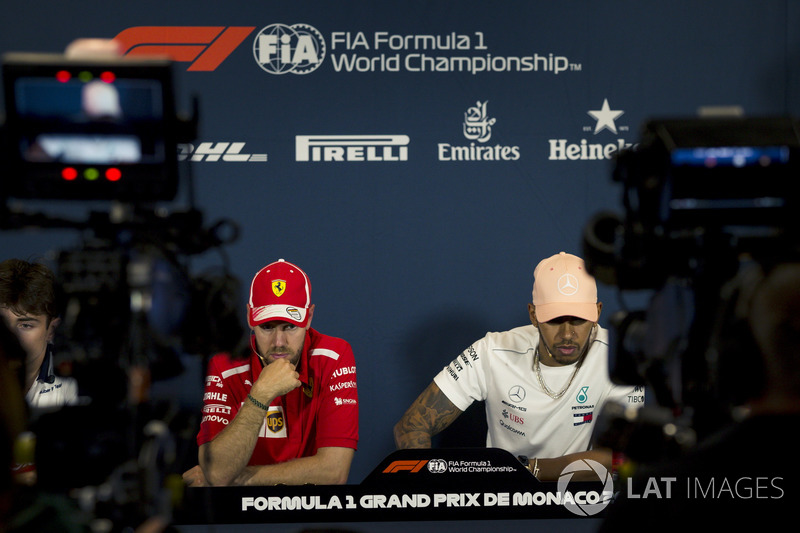 Sebastian Vettel, Ferrari et Lewis Hamilton, Mercedes-AMG F1 lors de la conférence de presse