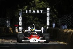 Rudy van Buren al volante di una McLaren M23