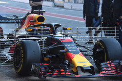 Daniel Ricciardo, Red Bull Racing RB14 with aero sensors