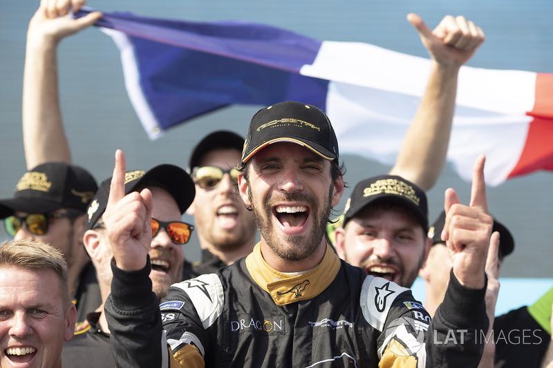 Jean-Eric Vergne, Techeetah, celebrates with his team on the podium