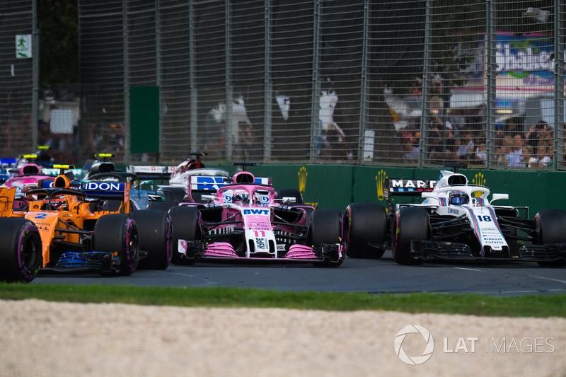 Sergio Pérez, Force India VJM11 y Lance Stroll, Williams FW41