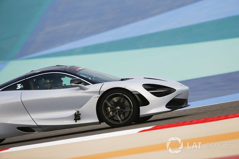 pirelli hot laps with zak brown, executive director, mclaren