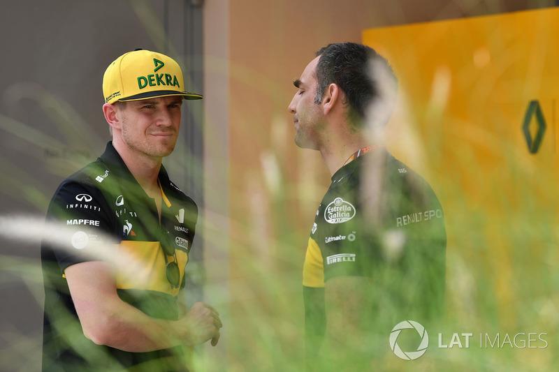 Nico Hulkenberg, Renault Sport F1 Team et Cyril Abiteboul, directeur général Renault Sport F1
