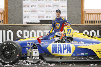 Winner Alexander Rossi, Andretti Autosport Honda
