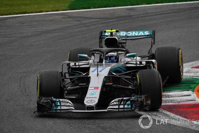 4: Valtteri Bottas, Mercedes AMG F1 W09, 1'19.656
