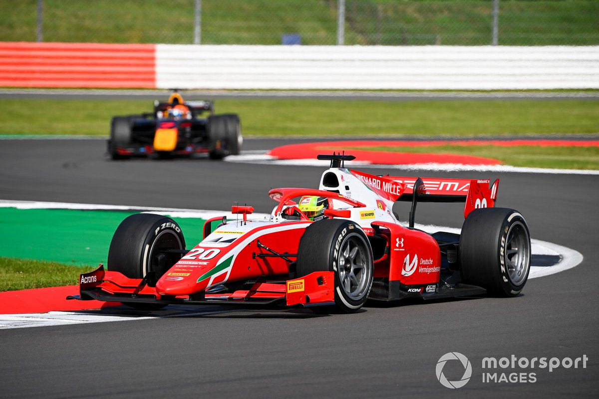 Mick Schumacher, Prema Racing, leads Yuki Tsunoda, Carlin