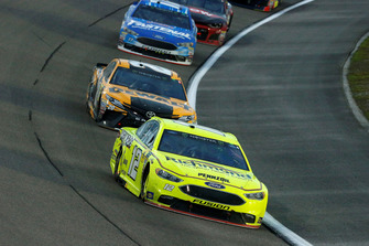 Ryan Blaney, Team Penske, Ford Fusion Menards/Richmond and Erik Jones, Joe Gibbs Racing, Toyota Camry DeWalt
