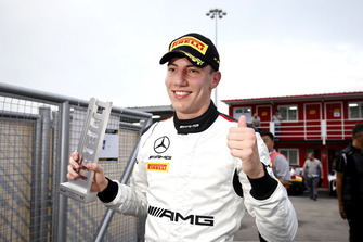 Володар поулу Раффелє Марчелло, #999 Mercedes-AMG Team GruppeM Racing Mercedes - AMG GT3