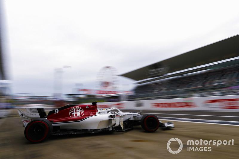 Marcus Ericsson, Sauber C37, quitte le garage