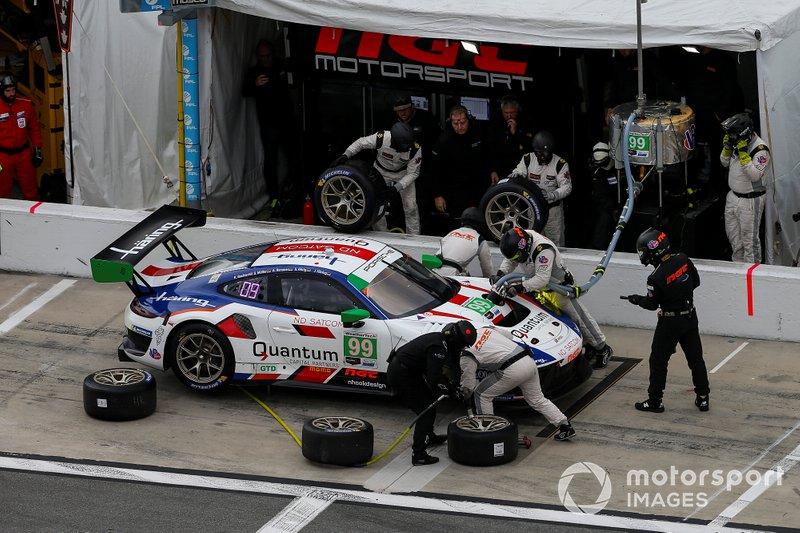 #99 NGT Motorsport Porsche 911 GT3 R, GTD: Juergen Haering, Sven Muller, Klaus Bachler, Steffen Goerig, Alfred Renauer, Pit Stop
