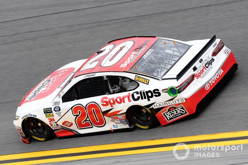 28. Erik Jones, Joe Gibbs Racing, Toyota Camry Sport Clips
