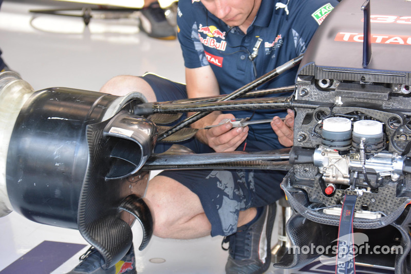 Red Bull Racing RB 12, Front brake duct