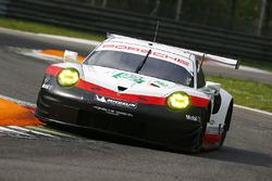 #92 Porsche Team Porsche 911 RSR: Микаэль Кристенсен, Кевин Эстре