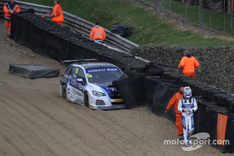 Crash: Ashley Sutton, Team BMR, Subaru Levorg