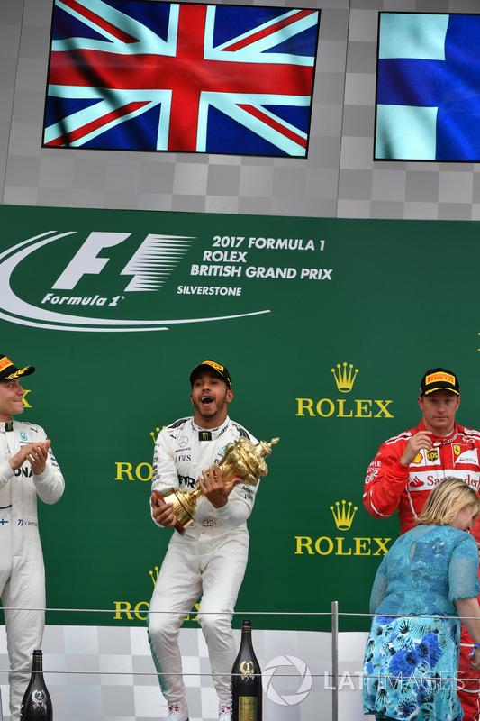 Lewis Hamilton, Mercedes AMG F1 celebra en el podio
