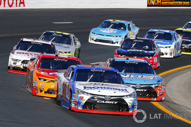 Ryan Preece, Joe Gibbs Racing Toyota, Kyle Busch, Joe Gibbs Racing Toyota, Kyle Larson, Chip Ganassi Racing Chevrolet