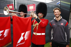 Romain Grosjean, Haas F1 Team, with some trumpeters in Scots Guard uniforms
