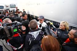 Stoffel Vandoorne, McLaren con los medios