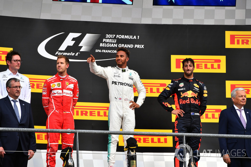 Hamilton, Vettel e Ricciardo subiram ao pódio em Spa.