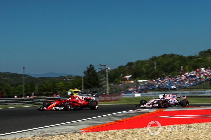 Sebastian Vettel, Ferrari SF70-H y Sergio Pérez, Force India VJM10