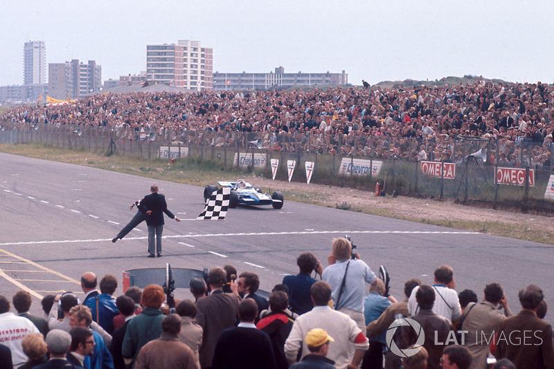 Jackie Stewart, Matra MS80 Ford bajo la bandera a cuadros