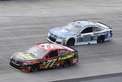 Erik Jones, Furniture Row Racing, Toyota; Dale Earnhardt Jr., Hendrick Motorsport,s Chevrolet