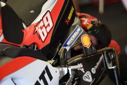 Une Ducati affichant le numéro de Nicky Hayden
