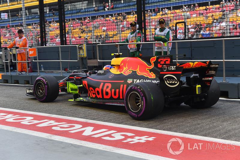 Max Verstappen, Red Bull Racing RB13, pintura en la tabla