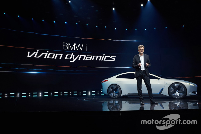 BMW i-Vision dynamics and Klaus Fröhlich, Member of the Board of Management of BMW AG