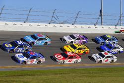 A.J. Allmendinger, JTG Daugherty Racing Chevrolet, Chase Elliott, Hendrick Motorsports Chevrolet en